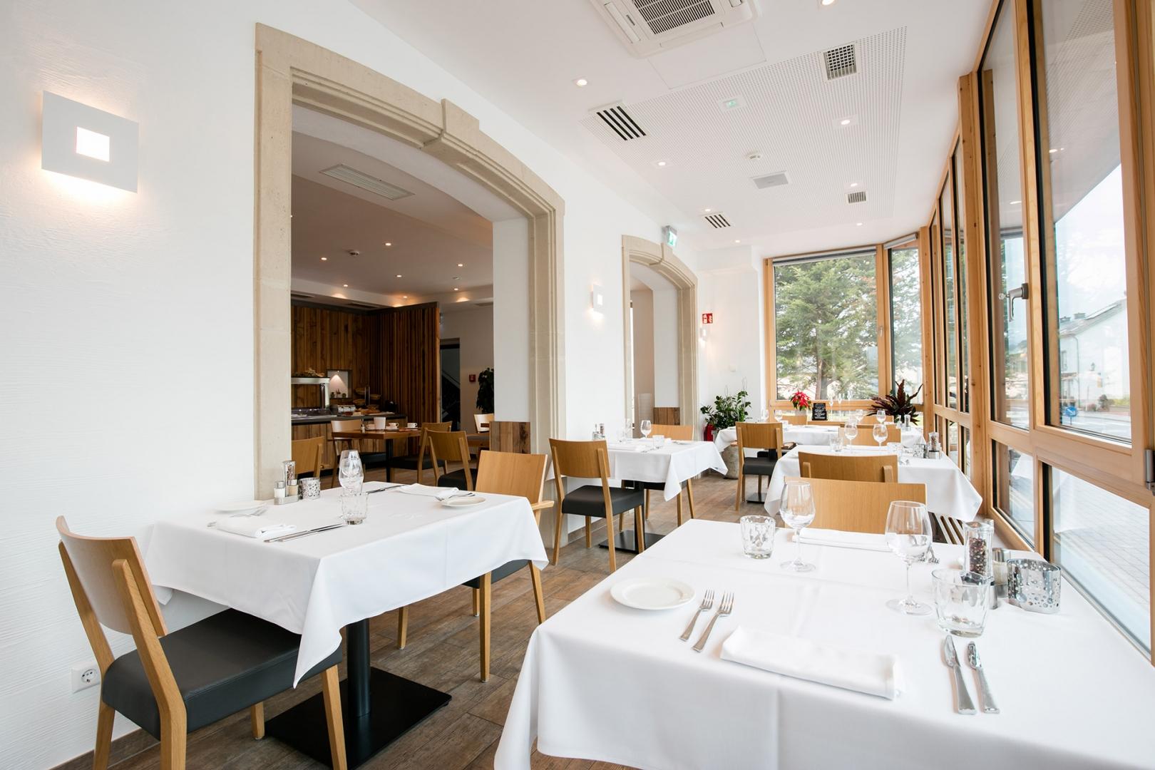 Restaurant terrace restaurant bettendorf for Terrace restaurant menu